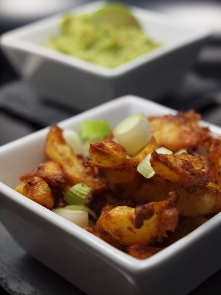 Knusprige Parmesankartoffeln mit Avocado Dip