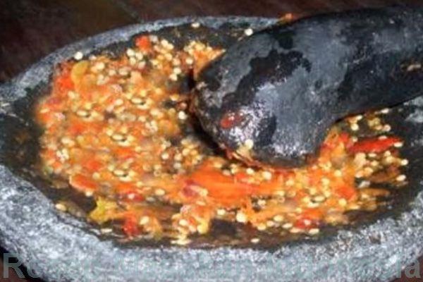 resep sambal bawang http://inforesepmasakansederhana.com/rahasia-resep-sambal-bawang-putih-cabe-merah-mentah-enak/