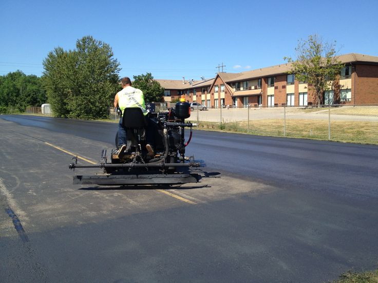 We specialize in asphalt paving repair and maintenance for commercial, industrial, retail, and corporate properties.