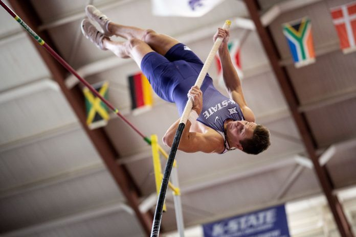 Track And Field Finish Steve Miller Open In Preparation For Big 12 Indoor Championships In 2020 Pole Vault Track And Field North American