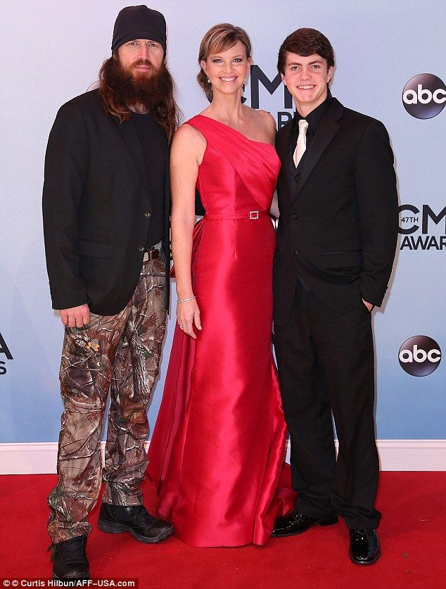 duck dynasty awkward hairy delights hobnob with the stars at cmas - Jase Robertson Halloween Costume