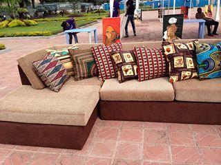 Canapé 7 places et Coussins en pagne Wax #AFRICANPRINTS
