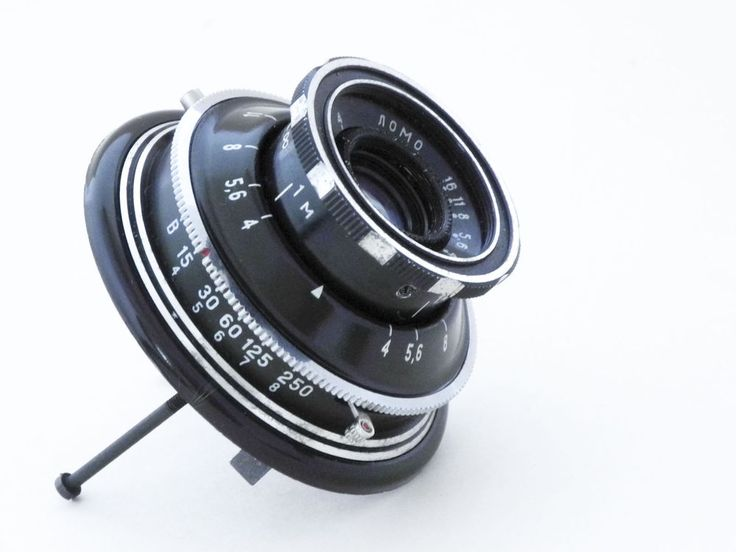 """Rare Soviet lens Triplet T-43 LOMO cameras Smena-6,black Nr.710215. Lens — the Triplet  """"T-43"""" 4/40,Nr. 710215   Corner of a field of vision of a lens — 55 °.  Diaphragm — iris.   Values of diaphragms — from f/4 to f/16. central shutter — 1/15, 1/30, 1/60, 1/125, 1/250 and """"B"""".      Cable sinchronisation """"X""""."""