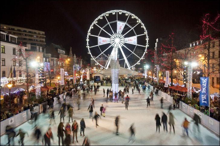 """Geniet van de feestdagen met een bezoek aan """"Winterpret"""". Verken de kerstmarkt met een glaasje jenever of glühwein, amuseer je op de schaatsbaan, aanschouw het zicht vanuit het reuzenrad, ..."""