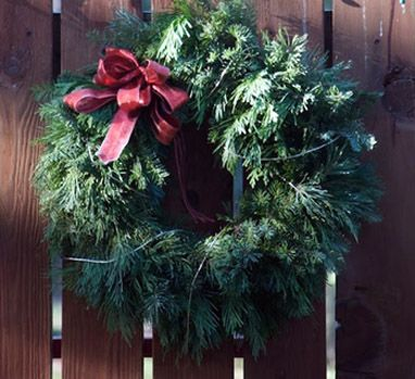 122 Best Wreaths Images On Pinterest Christmas Crafts