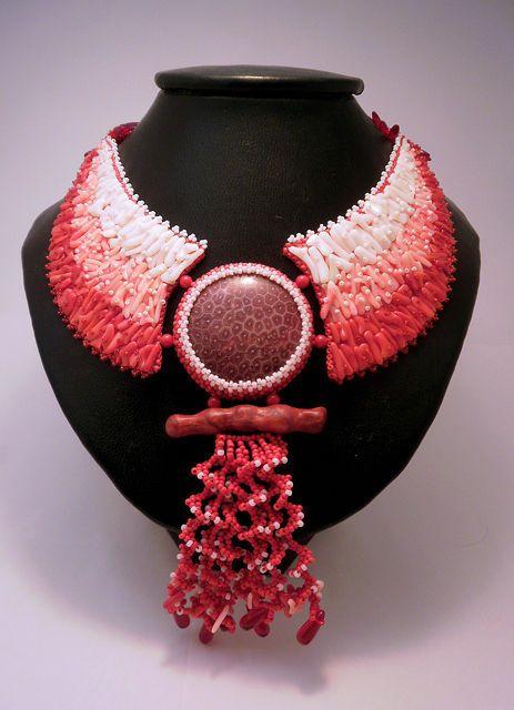 Купить Колье Кораллы - бисер, колье из бисера, натуральный коралл, коралловый, украшения ручной работы