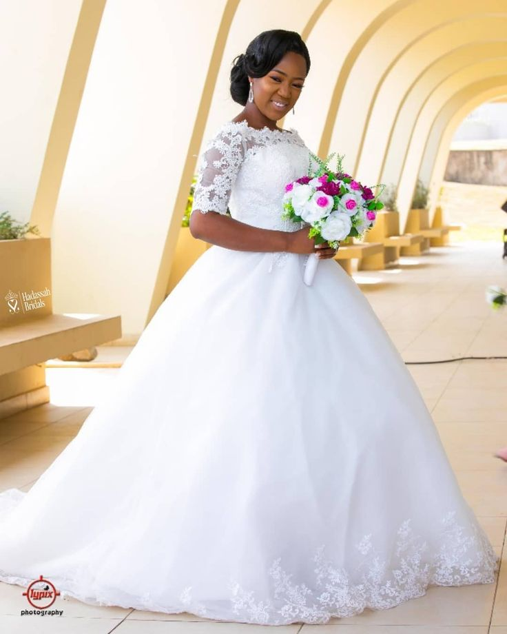 Beautiful Ball Wedding Gown Available For Sale And Rentals In Lagos Nigeria Plus Size Wedding Gowns Beautiful Wedding Gowns Bridal Gown Tulle