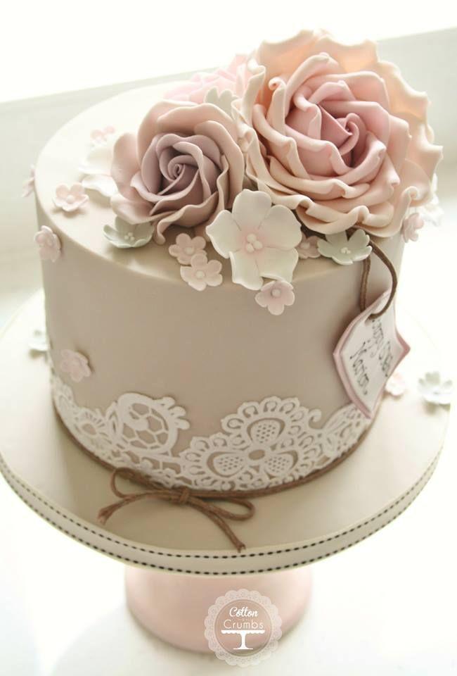 ♥♥♥ INSPIRATION: Perfekte Kuchen für eine Mini-Hochzeit oder Verlobung …   – Bolo de Casamento