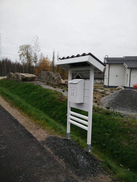 Valkoinen postilaatikkoteline/moderni postilaatikkoteline/metallinen postilaatikko/magneettikyltti/itsesuunniteltu  Villa Amélie - Unelmaa rakentamassa: lokakuuta 2016