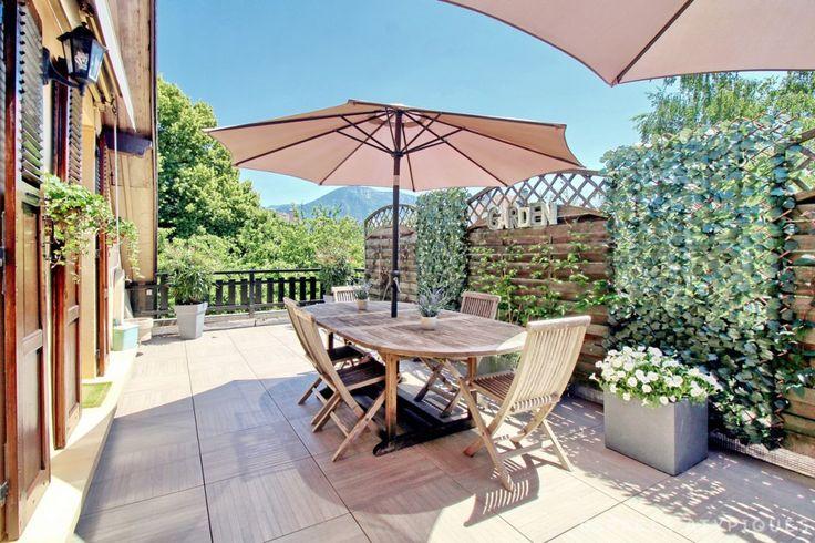 Annecy : Appartement-terrasse sur jardin, façon maison sur le toit. - Agence EA Annecy