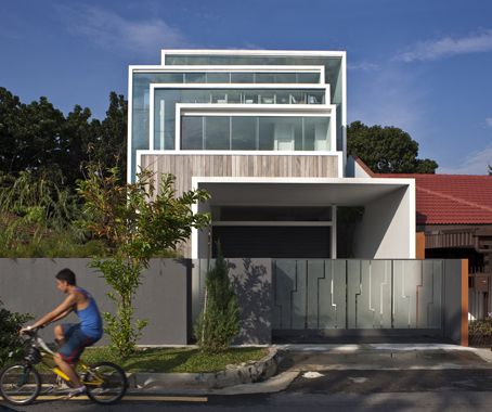 Multiple Frames: A house by CHANG Architects employs a clear language of framing to engage its context.