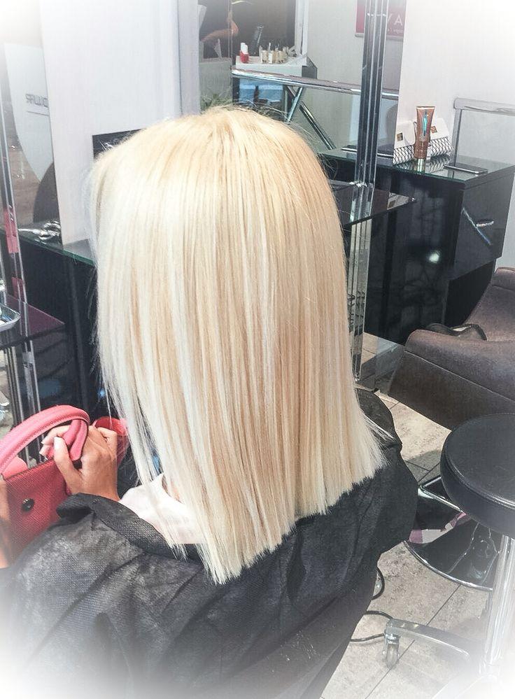 Smartbond - il sistema di L'oreal che protegge e rinforza i capelli durante i servizi di decolorazione e di colorazione.  #haircolor #hairdye  #loreal #nellemanigiuste #smartbond  | www.facebook.com/AlbertoSimoneschiHAIRSALON