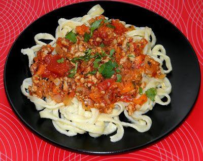 zadanie - gotowanie: Tagliatelle z sosem bolognese.
