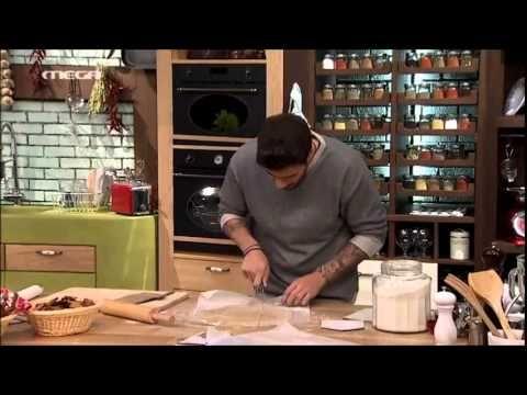ΚΑΝΤΟ ΟΠΩΣ Ο ΑΚΗΣ: Gingerbread cookies και μπισκοτόσπιτο - YouTube