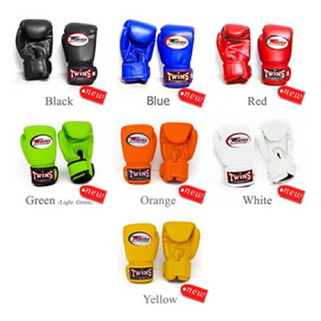 Twins Special Muay Thai Kid's Boxing Gloves KID-BGVL-3 Description Twins Special Muay Thai Kid's Boxing Gloves with velcro wrist strap for full security. 100% Genuine Leather Handmade in Thailand Special Design for Kids Available Sizes : S, M, and L #muaythaiequipment #muaythai #Kidmuaythai #ມວຍໄທ #थाईबॉक्सिंग#ThaiBoxen ##셔츠. #泰拳。#ムエタイ#muaythaiequipment #Gloves #Twins #KidTwins US$38.95