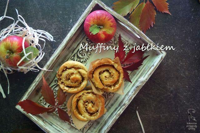 Kulinarne przygody Gatity: Drożdżowe muffiny zawijane z jabłkiem i cynamonem