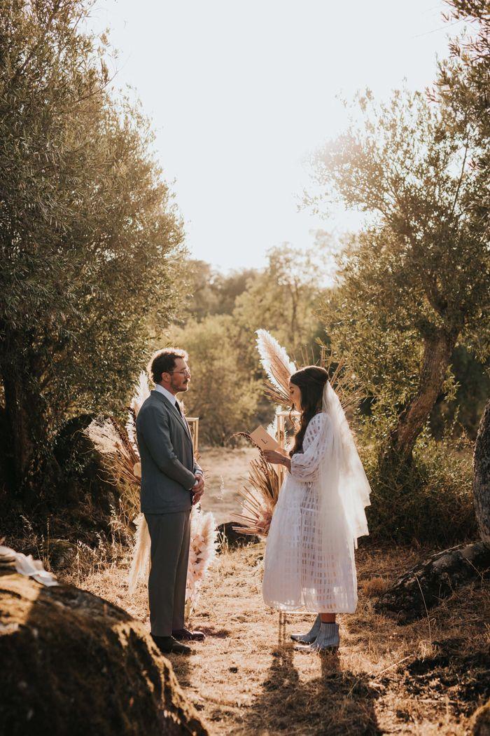 Portuguese Countryside Golden Hour Elopement At Casas Caiadas Junebug Weddings In 2020 Best Wedding Photographers Junebug Weddings Elopement