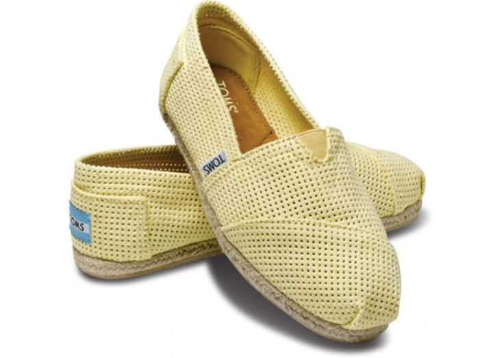 Love these!!: Hemp Yellow, Arrival Toms, Toms Shoes, Shoes Bottoms, Classic Shoes, Women Classic, Toms Women, Toms Freetown, Freetown Yellow