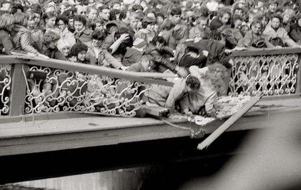 Ленинград. Открытие фонтанов в Петергофе. Май 1983 года