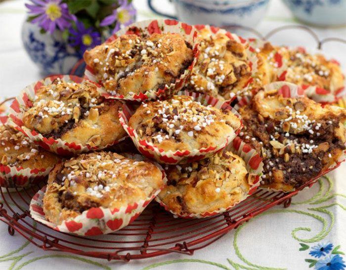 Bjud på bullfest! Baka våra underbara bullar fyllda med nutella.