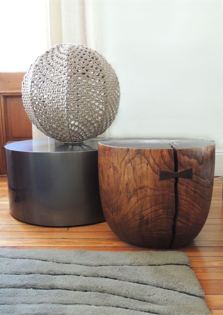 Un rincón diferente: mesa adicional Baltra y banco de madera Artesanal. #solsken www.solsken.com.ar