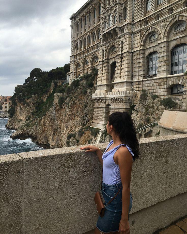 👸🏻 of Monaco 🇲🇨 #ootn #outfit #outfitoftheday #fashion #lookoftheday #lookdujour #fashionblogger #WFB #quebecblogger #lifestyleblogger #fashionaddict #streetstyle #ootdmagazine #aboutalook #whowhatwear #whowhatwearing #thestreetograph #mtlfashionbloggers #monaco