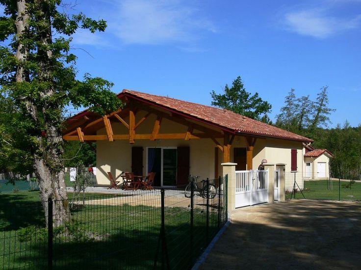 Location vacances villa Sainte-Eulalie-en-Born: Calme, a proximité des plages du lac et de l'océan et de la forêt landaise.