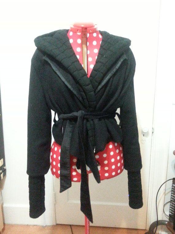 Retrouvez cet article dans ma boutique Etsy https://www.etsy.com/ca-fr/listing/477749861/black-boiled-wool-vest-coat