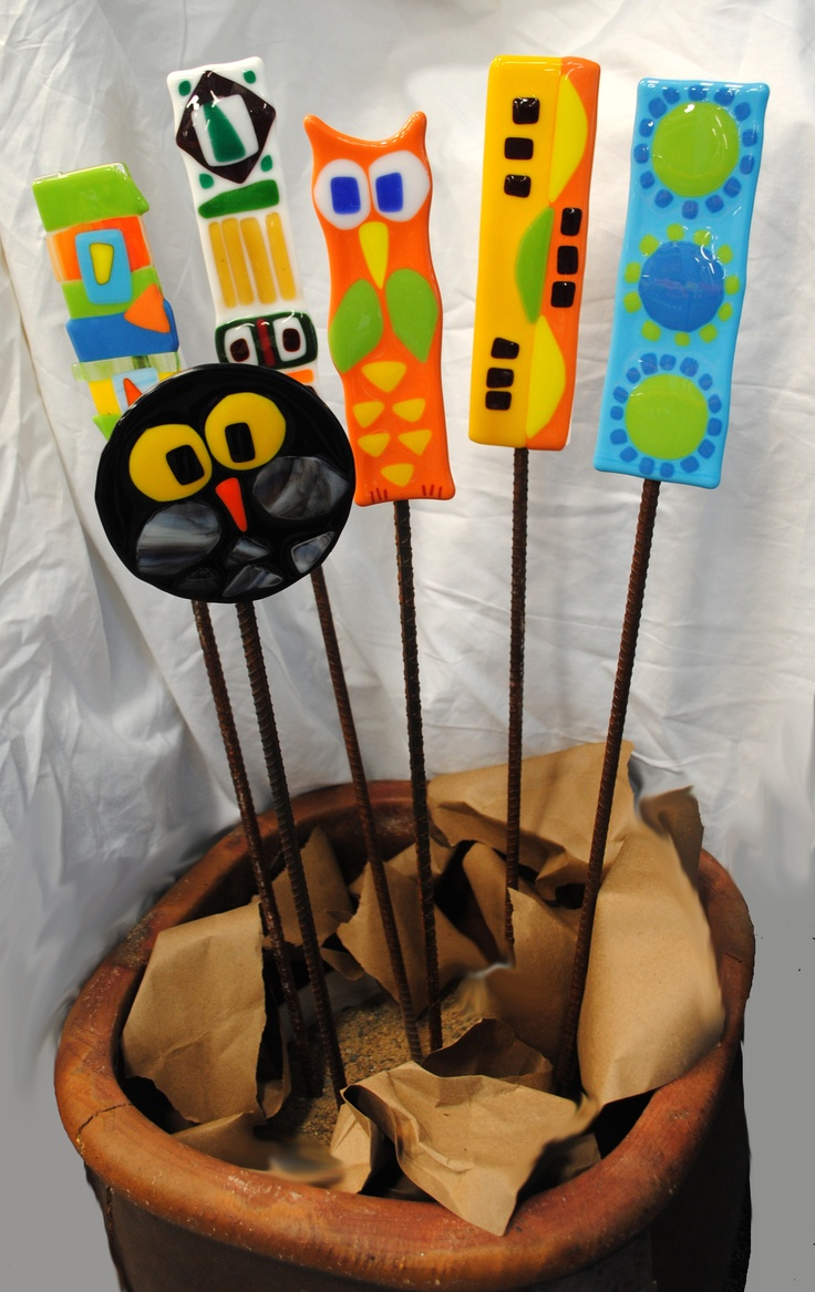 FUSED GLASS GARDEN STAKES