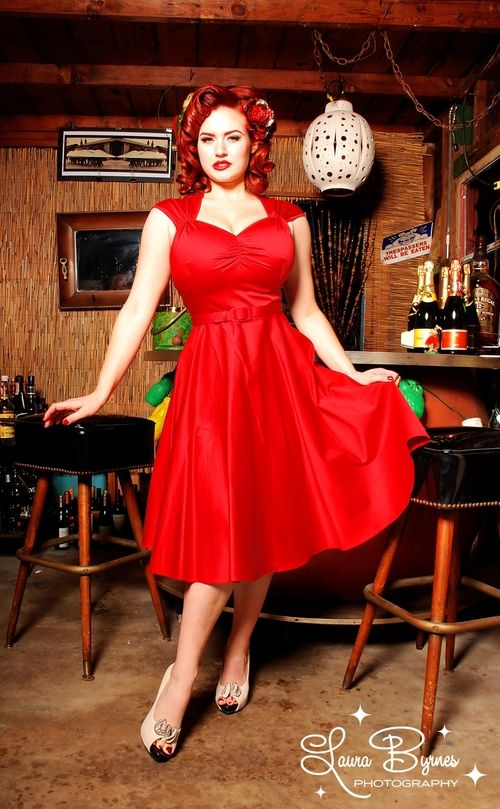 Pin up in red