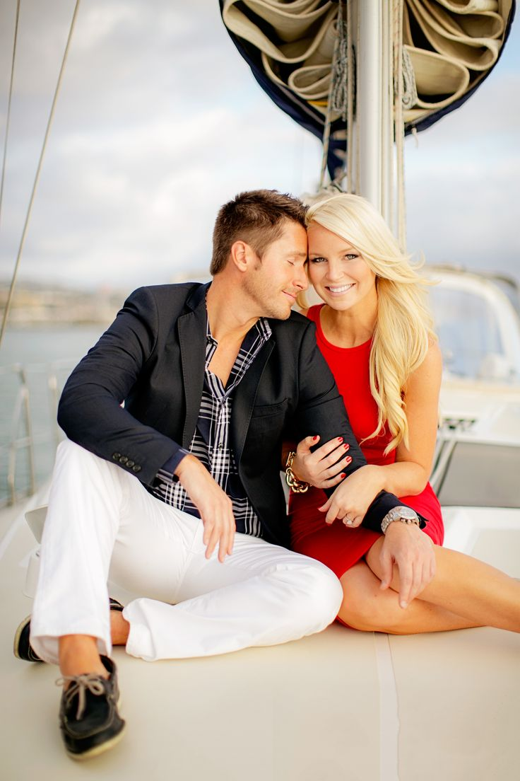 Gorgeous nautical engagement session! Such a great idea!
