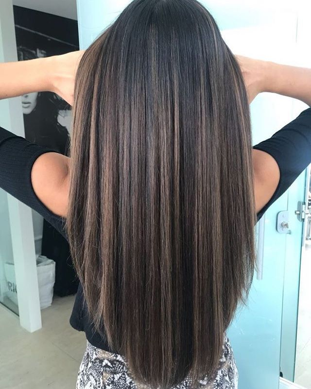 Gorgeous natural looking hairstyle haircolor