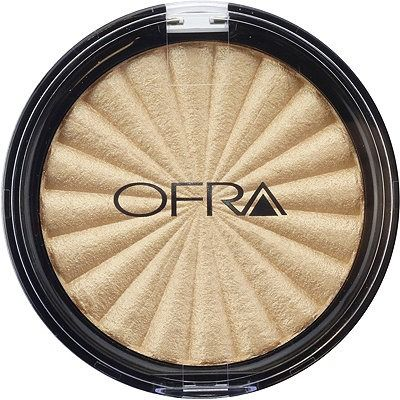 Soak up the summer sun day or night with Ofra Cosmetics' Rodeo Drive Highlighter! This radiant new product captures the luxury and glamour of the famous street in sunny California. Ofra herself worked at a top salon on Rodeo Drive at the start of her career after moving to the United States from South Africa.