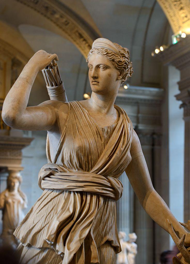 валюту скульптуры древней греции фото имеются грязевые