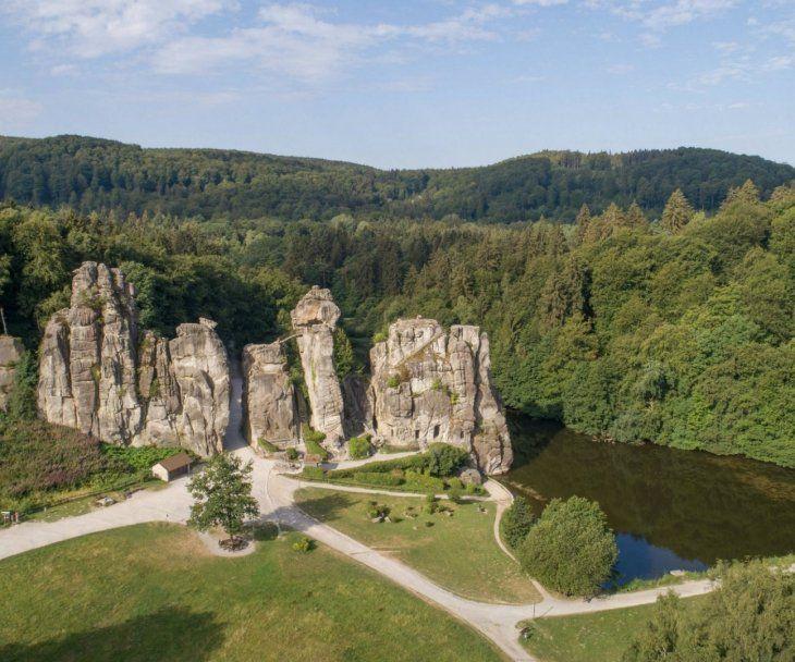 Externsteine In Horn Bad Meinberg Externsteine Naturwunder Und Tourismus