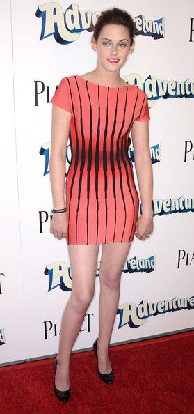 """Kristen Stewart Photos: Premiere Of Miramax Films' """"Adventureland"""" - Arrivals"""