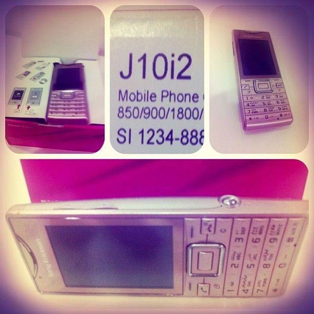للبيع المنتج تلفون Sony Ericsson المديل J10i2 المواصفات كيمرا 5 ميغا بكسل مع مايك وجارج وبكس لون وردي حالة المنتج ممتازة ال Mobile Phone Phone Mobile