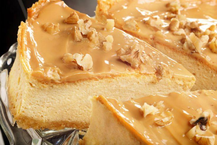 Cremele sunt indispensabile pentru torturi și prăjituri. Anume acestea fac din deserturi adevărate vedete culinare. Echipa Bucătarul.tv a selectat 5 rețete de creme delicioase, diferite ca gust, consistență, aromă și aspect. Sunt perfecte pentru deserturi, dar pot fi consumate și simple. Toate sunt originale, fine, gustoase și ușor de preparat. Voi pe care o alegeți? …
