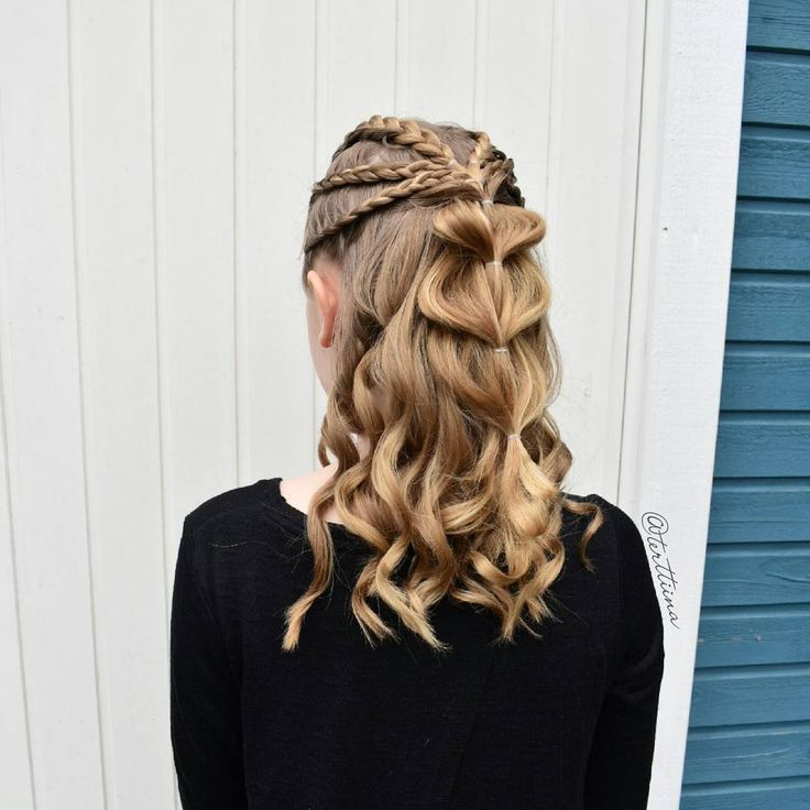 "(@terttiina) Instagramissa: ""Half up style with six lace french braids tied back into a pull trough and some curls!"