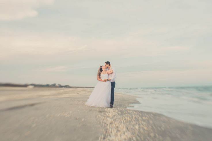 www.picturesque.ro  #picturesque #ttd #trashthedress #seaside #photoshoot #weddingphotography #weddingphotographer #professionalphotographer #lovers #brideandgroom #whitedress #bride #sea #love #kissing
