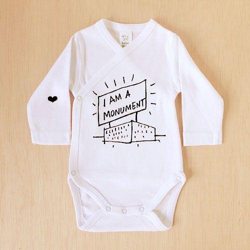 "Del legendario ""Aprendiendo de Las Vegas"", de Robert Venturi, este ""I am a monument"". Para bebés arquitectos;)   ~  From Learning from Las Vegas, by Robert Venturi, this 'I am a monument'. For baby architects;)"