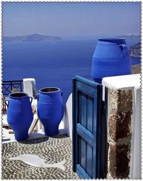 Santorin. mer Égée … Σαντορίνη . Του Αιγαίου το  μπλε …