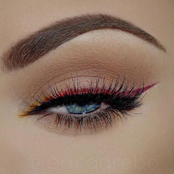 Machiaj seducator cu tus de ochi negru si roz. #tusdeochicolorat #machiajseducatorochi