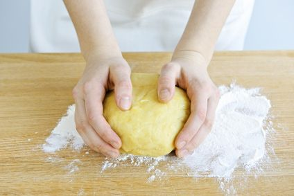 Sikérhelyettesítők - Avagy a gluténmentes tészta gyúrás rejtelmei.