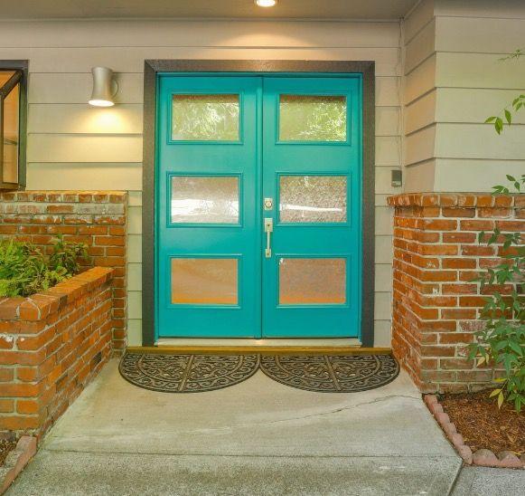 Team Teal Door   Living Room Realty   Portland Real Estate