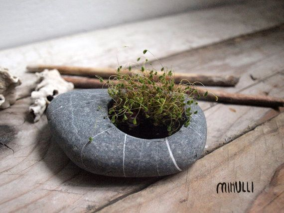 hand gegraveerde strand stenen bloem planter kandelaar door Mihulli