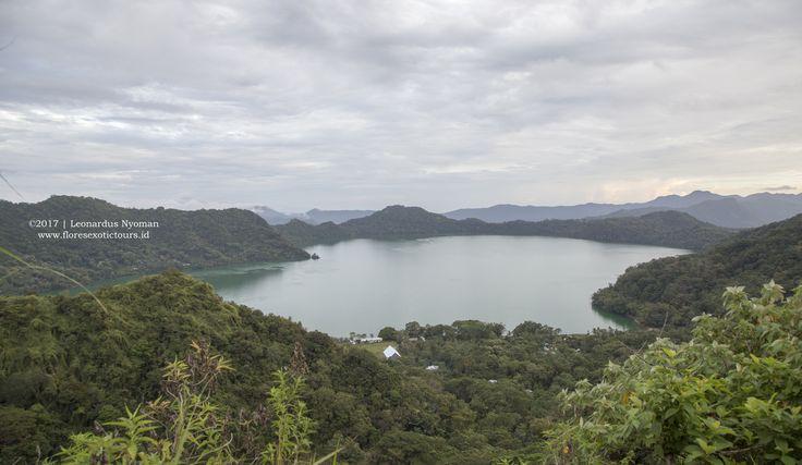 Sano Nggoang lake, Flores island