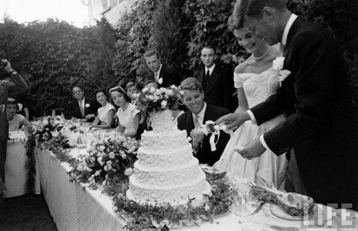 THE WEDDING OF JOHN F. KENNEDY AND JACQUELINE BOUVIER, SEPTEMBER 12, 1953: Jackie Kennedy, Jacqueline Bouvier, Robert Kennedy, Marry John, Kennedy Cut, Wedding Cakes, Jacqueline Kennedy, Newly Marry, Includ Robert