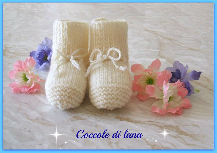 """Booties for babies, age 5-6 months. Hand-knitted in 100% merino wool. Search for them in the store """"Coccole di lana"""" on www.ebay.it (here is the link: http://www.ebay.it/itm/272415908836?ssPageName=STRK:MESELX:IT&_trksid=p3984.m1555.l2649)"""