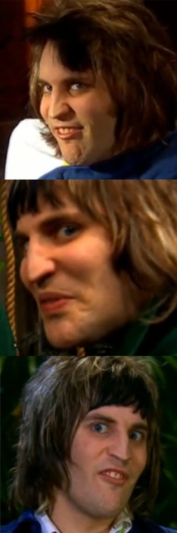 Noel Fielding - screen caps I made of the outtake face that I LOVE.